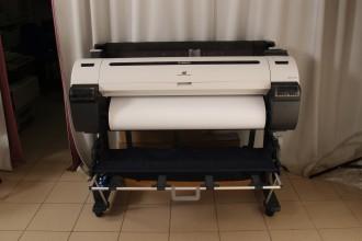Срочная широкоформатная печать до А-0